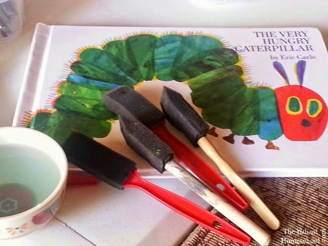 Aren't Eric Carle pictures just amazing? This post will focus on an artist study and art lesson, so it can be used with children.
