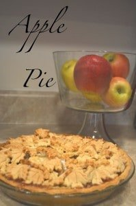 http://www.thelifeofjenniferdawn.com/2011/11/colonial-apple-pie-with-leaf-crust.html