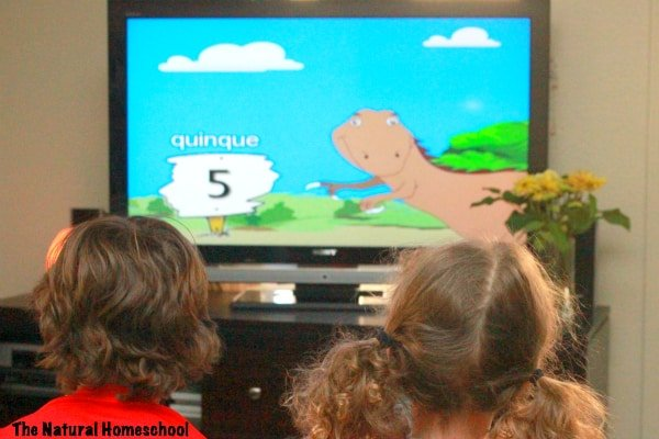 How My Children Love to Learn the Languages of the World {Coupon Code}