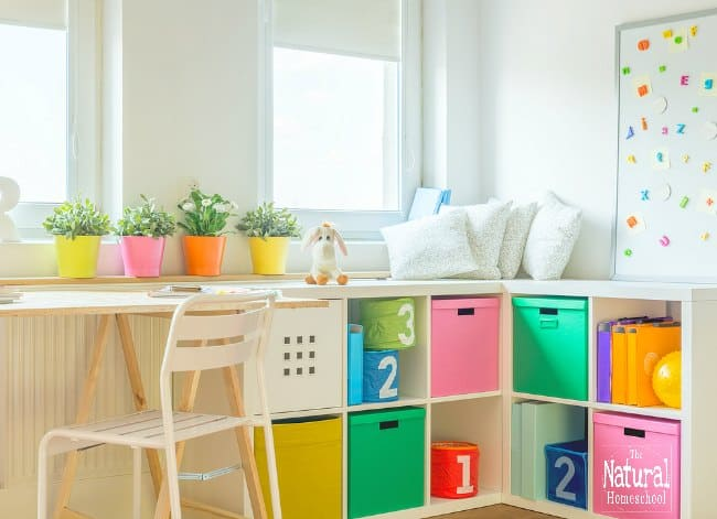 In this post, we show you how to develop your plan to keep that overwhelming bulk at bay and learn how to organize Montessori materials at home!