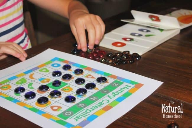 In this post, we have put together a fun game on the very hungry caterpillar pictures to print and play bingo! So come and get the download of the most fun Bingo Game with beautiful Hungry Caterpillar printables!